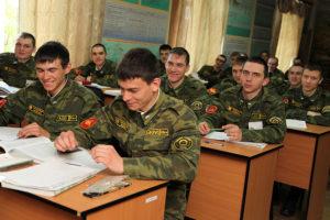 Как можно стать офицером в армии имея гражданское высшее образование, не имея военной кафедры. какие есть пути? каковы ш