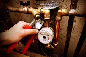 Кто должен оплачивать установку водяных счетчиков в неприватизированной квартире?