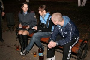 Можно ли подросткам 16и лет гулять по улицам ночью?