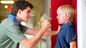 Угрожают моему ребенку расправой посторонние, взрослые люди!