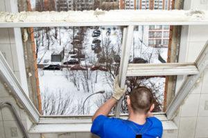 Кто должен менять окна в муниципальной квартире