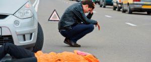 Если пешеход перебегал дорогу на красный свет и его сбила машина, кто будет виноват? (вред здоровью - тяжкий)